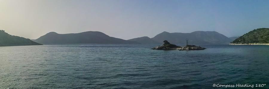 Sarakiniko, Kastos